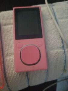 Microsoft Zune 4 Pink ( 4 GB ) Digital Media Player