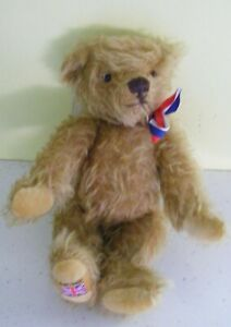 Vintage limited edition Merrythought Teddy Bear British Bertie NO 25 gold mohair