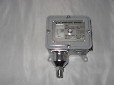 SMC Pressure Switch IS2761-103L9 new