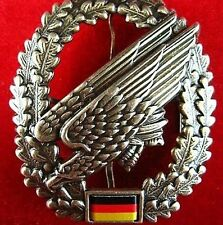 ORIGINAL CURRENT GERMAN ARMY PARATROOPER  PARA AIRBORNE BERET BADGE MEDAL