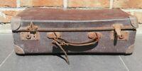 Ancienne valise vintage décoration début XXème siècle, signée La F. M. C