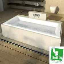 Caroma Newbury Island Plus 1675 Acrylic Bath 1675 x 760 x 456mm White NC7W
