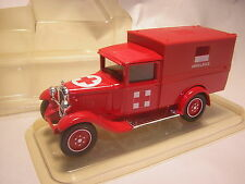 1/43 CITROEN C4 F 1930 Ambulance  Pompier  Solido