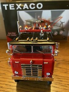 """First Gear Kenworth Bullnose TowTruck """"Texaco Red Star""""1/34 Scale,Stock #19-2514"""