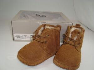 UGG Baby Infants Boots Neumel & Beanie Chestnut 8036 Sz 2/3M