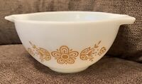 Vintage Pyrex 441 Cinderella Nesting Mixing Bowl; Butterfly Gold & White 1.5pt.