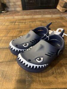 Capelli Toddler Boys Rubber Clogs Shark Novelty Slip On Gray Size 5