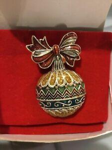 AVON Holiday Cheer Pin - Ornament