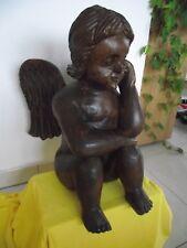 sitzender großer handgearbeiteter Engel aus Holz schwer