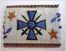 Petit ruban brodé médaille CROIX de GUERRE 14 / 18, dimensions: 50 x 37 mm.