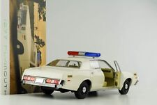 1977 Plymouth Fury Hazzard country sheriff creme 1:18 Greenlight NEU