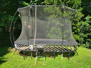 Springfree Trampoline - 8' x 13' Large Oval. Excellent Condition