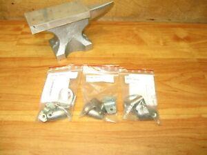 Pepperl + Fuchs MH 01-M18 (LOT OF 3) Sensor Mounting Brackets 96532 *NEW*
