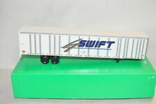 HO scale Bowser 53' truck trailer SWIFT