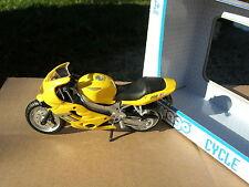 BURAGO 1/18 MOTO TRIUMPH TT 600 JAUNE!!!