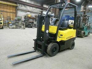 2006 Hyster H40FTS, 4,000#, 4000# Pneumatic Tired Forklift w/ Trucker Mast