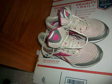 Reebok Womens Easy Tone Reenew Walking Running Shoes Size 6 Pink/White