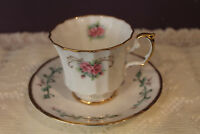 PRETTY ELIZABETHAN TEA CUP AND SAUCER - PINK ROSE WITH GOLD TRIM