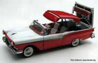 FRANKLIN MINT 1957 FORD FAIRLANE 500 SKYLINER 1/24 SCALE DIE-CAST CAR NEW W/COA.