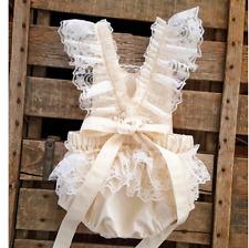 Baby GIRL'S Principessa Bianco Pizzo Vestiti ROMPER BABY VESTITO BAMBINO 9 M UK STOCK