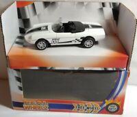 REAL WHEELZ 1:43 SCALE DIECAST SUPER VIOLENT D5 WHITE RACING CAR - 138060
