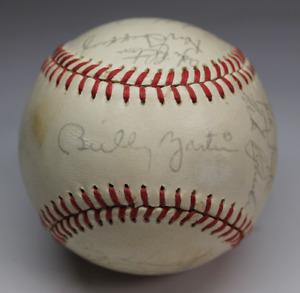 1985 New York Yankees signed autographed baseball! AMCo LOA!