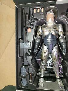 Hot Toys MMS266 Robocop battle damaged version only please read description.