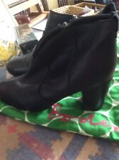 BODEN - NAVY BLUE  LEATHER HEELED ANKLE BOOTS - SZ 42