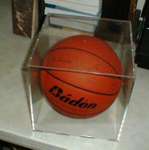 NBA Hall of Famer Philadelphia 76ers JULIUS DR.J ERVING Autographed Basketball