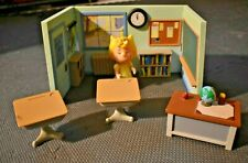 Memory Lane Peanuts SCHOOLHOUSE with Desks