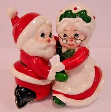 CUTE VINTAGE LEFTON CHRISTMAS SANTA & MRS SANTA SALT & PEPPER SHAKER SET Hugger