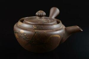 L5544: Japanese Banko-ware Brown pottery Flower Gold paint TEAPOT Kyusu Sencha