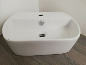 ~~~DISCOUNTED~~~Narrow Oval Bathroom Basin White Ceramic 44cm x 30cm - Fault