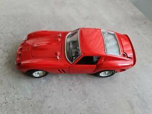 Burago Diecast Ferrari 250 GTO : 1962 in Red (1/18 Scale)