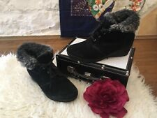 Footglove Black Suede Leather Low Wedge Fur Trim Ankle Boots Size 6.5