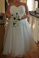 Embroidery A-line Plus Size Strapless Wedding Dresses