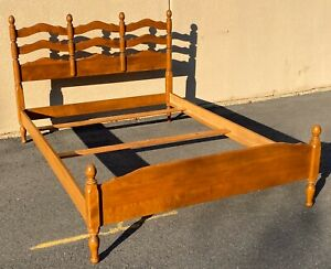 Ethan Allen Heirloom Maple Ladder-back Full Bed Frame Nutmeg