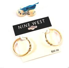 NINE WEST GOLD TONE HOOP EARRINGS WITH CRYSTAL ACCENTS - Bijouterie