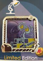 DLR DISNEY PIXAR FEST CELEBRATION 2018 WALL-E & EVE LE 2000 PIN-FREE SHIPPING!