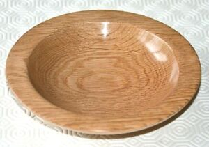 Beautiful hand turned 17.5cm wooden bowl/plate in oak.