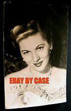 1947~RARE~JOAN FONTAINE~UNIVERSAL STUDIOS~POSTCARD FAN PHOTO~SIGNED