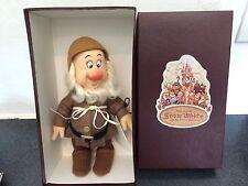 "R. John Wright Snow White & the Seven Dwarfs 9"" Doll -- Sneezy"