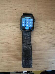 Apple Watch Series 4 Space Grey Aluminium Case Black Sport Loop 40MM GPS