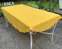 "Vera Neumann Oval Tablecloth Yellow Linen-Poly 56"" x 80"" Linens Vintage 1960's"