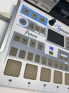 ARTURIA SPARK LE CREATIVE DRUM MACHINE IN BOX GROOVE PAD SAMPLER
