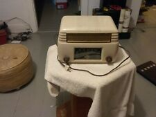 A vintage  general  electric  tube radio white