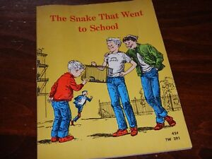 The Snake That Went to School by Lilian Moore - 1967 Scholastic Paperback  TW291