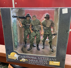 Large Vietnam Veterans Memorial The Ultimate Soldier by 21st Century Toys