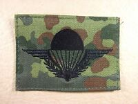 Frankreich Fallschirmspringerabzeichen schwarz auf Flecktarn maschinengestickt