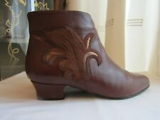 womens vintage Van Dal brown leather ankle boots used size 6 VGC small heel